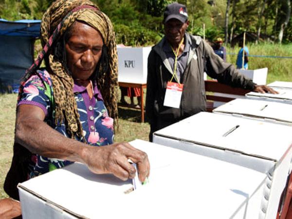 Meski Banyak Kendala, Warga Jayapura Tetap Semangat Ikut Pemilu Susulan