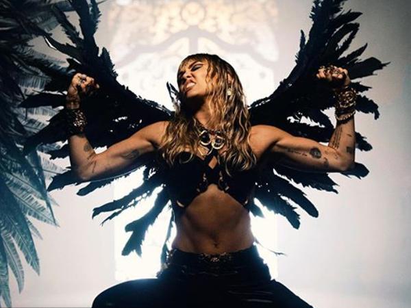 Fans Temukan Bukti Miley Cryus Kembali Sindir Liam Hemsworth Lewat Lagu 'Don't Call Me Angel'