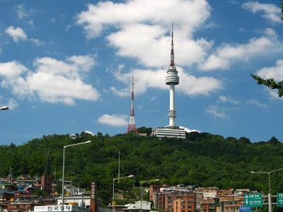 Namsan Seoul Tower, Spot Wisata Paling Ikonik di Korea Selatan