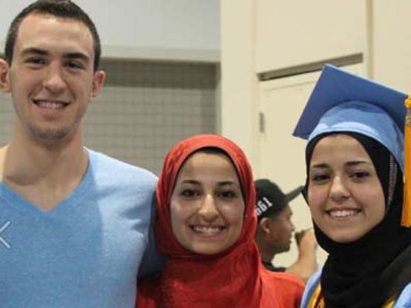 Tiga Pelajar Muslim AS Tewas Ditembak di Apartement