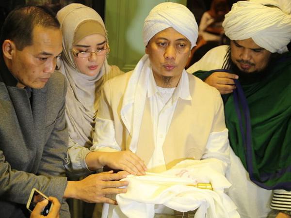Perjalanan Opick Diberi Mandat Menjaga Rambut Nabi Muhammad SAW