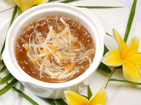 Jadi Tradisi Turun-Menurun, Perlukah Menyajikan Sup Sirip Hiu Saat Imlek?