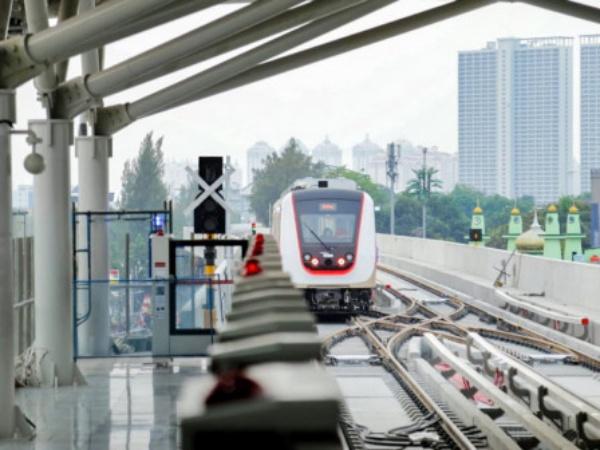 Stasiun LRT Pegangsaan Dua Resmi Mulai Beroperasi Hari Ini
