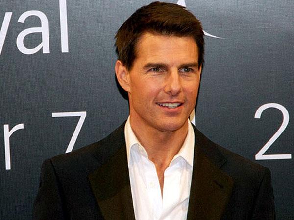 Duh, Tom Cruise Hampir Tertabrak Bus Kota Saat Syuting Mission Impossible 5!