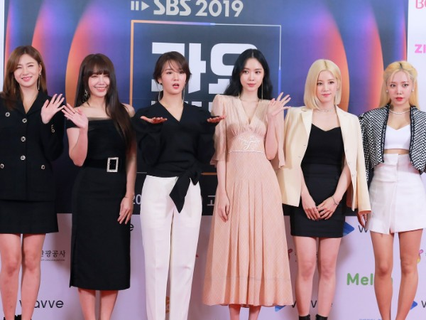Member Apink Angkat Bicara Soal Insiden Penampilannya di KBS Song Festival 2019
