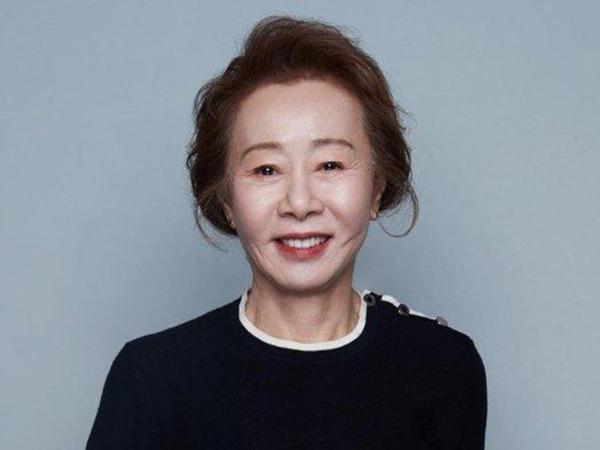 Congrats, Youn Yuh Jung Jadi Aktris Korea Pertama Raih BAFTA