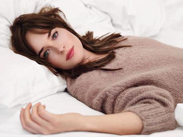 Dakota Johnson Terobsesi Foto Sensual Gara-gara Perannya di Film 'Fifty Shades'?