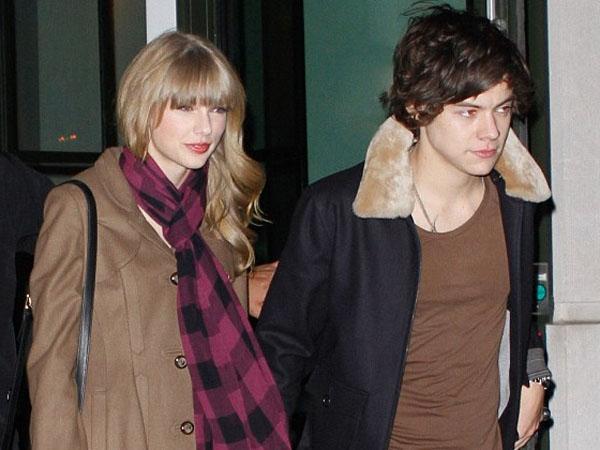Wah, Taylor Swift Masih Kenakan Kalung Pemberian Harry Styles di MV 'Style'?