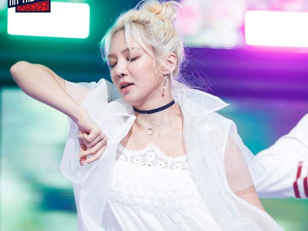36hyoyeonhitthestage.jpg