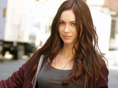 Intip Megan Fox & Kembarannya Yang Tak Kalah Cantik Saat Syuting TNMT