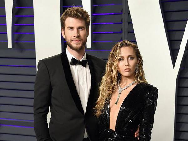 Miley Cyrus Ngaku Nggak Nangis Saat Cerai dari Liam Hemsworth
