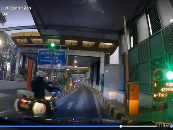Cerita Pengemudi yang Diserobot Oknum Polisi Bermotor Gede di Gerbang Tol