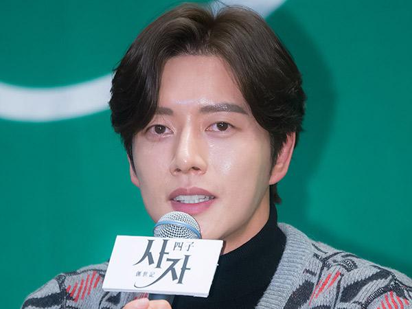 Park Hae Jin Curhat Soal Perankan Empat Karakter Sekaligus di Drama 'Four Sons'