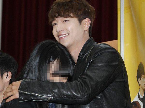 Pelukan Gratis dari Seo Kang Joon di Jumpa Fansnya Sukses Bikin Iri!