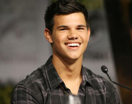 Taylor Lautner Tidak Lagi Jadi Manusia Serigala