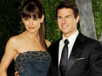 Tom Cruise Larang Katie Holmes Beradegan Ciuman