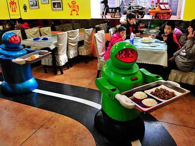 Unik! Kita Bisa Dilayani Oleh Robot di Restoran Ini