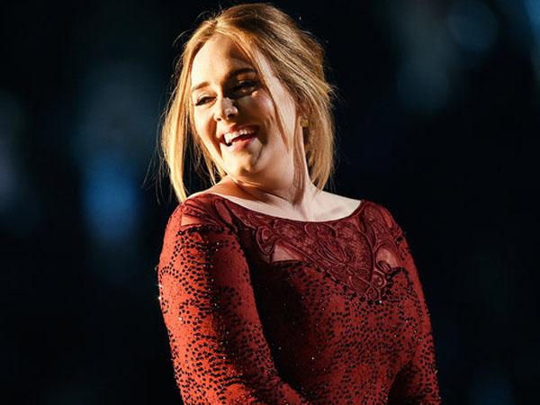 Kartu Kreditnya Ditolak, Adele Merasa Sangat Malu!