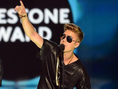 Justin Bieber Tanggapi Ejekan Para Haters di Panggung Billboard Music Awards