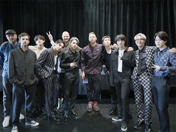 Melihat Performa Lagu Kolaborasi BTS dan Coldplay 'My Universe' di Minggu Kedua Chart
