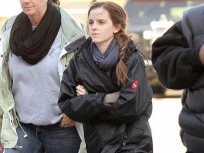 Emma Watson Prihatin Syuting Noah Diterpa Badai Sandy