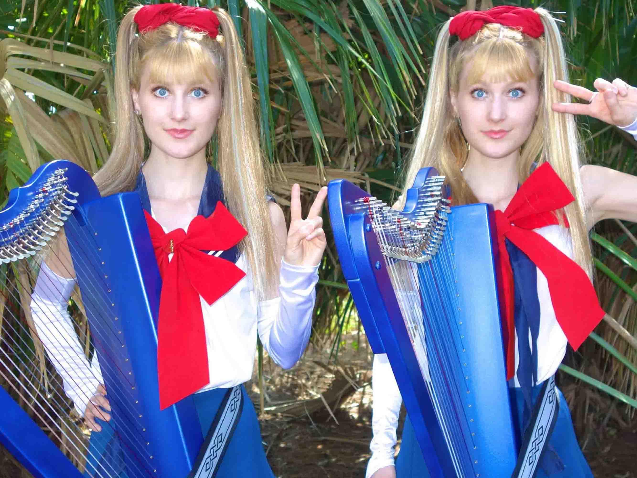 Kenalan Dengan Camile dan Kennerly, Kembar Identik yang Meng-Cover Lagu dengan Harpa!