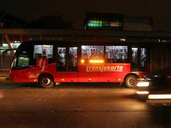 TransJakarta Tambah Empat Koridor Angkutan Malam