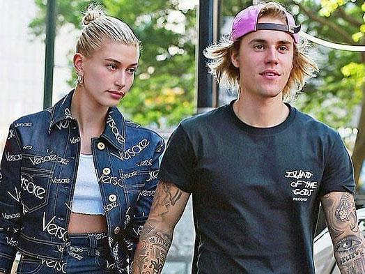 Gemas Dengan Sikap Manja Hailey Baldwin, Ini yang Justin Bieber Lakukan!