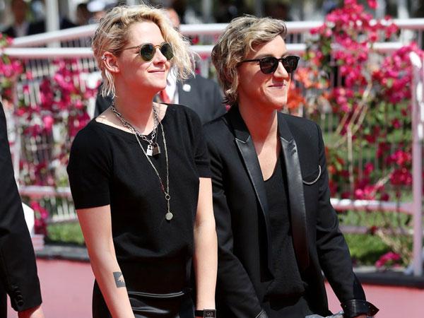 Lebih Bahagia, Kristen Stewart Pilih Menjalin Asmara dengan Wanita Dibanding Pria