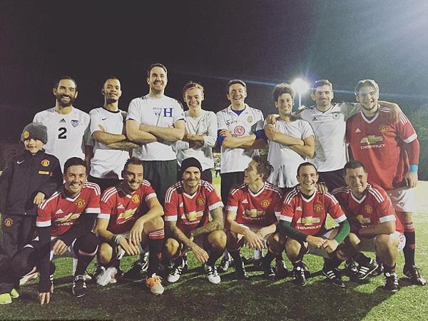 Harry Styles Gabung dengan David dan Brooklyn Beckham untuk Pertandingan Sepakbola Amal