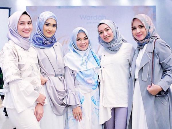 Pilah-Pilih Bahan Hijab Nyaman untuk Silaturahim dan Halal bi Halal