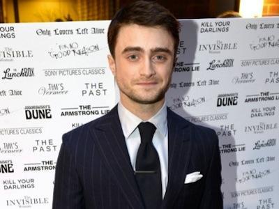 Setelah Peran Penyihir dan Gay, Apa Peran Daniel Radcliffe di Film Terbaru?