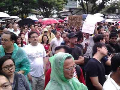 Ribuan Warga Singapura Protes Imigran Asing