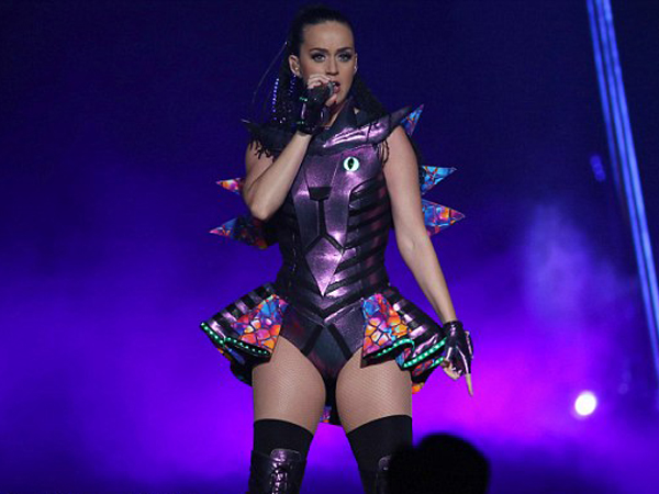 Tak Hanya Kostum, Katy Perry Juga Tampilkan Desain Panggung Baru di Tur Asianya!