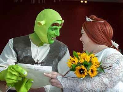 Pernikahan Sherk Jadi Kenyataan
