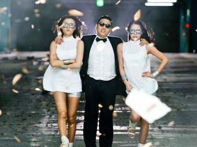 PSY Tularkan Gangnam Style di Jalanan Hollywood