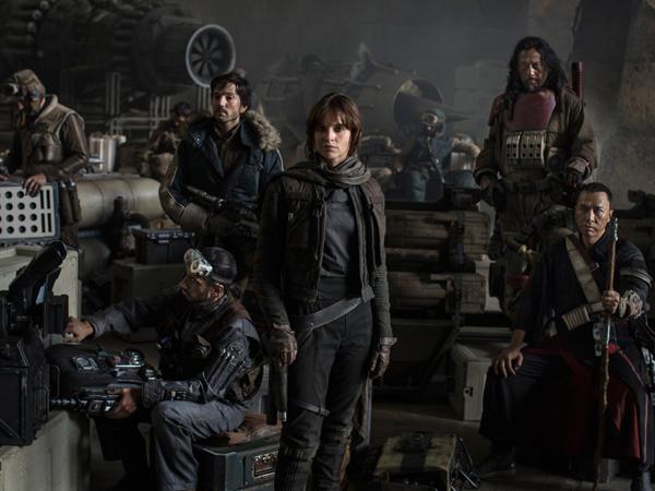 Perlihatkan Pertarungan Seru Stormtrooper, Trailer Pertama Spin-Off 'Star Wars' Resmi Dirilis!
