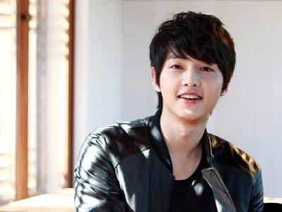 Song Joong ki Diincar Banyak Label