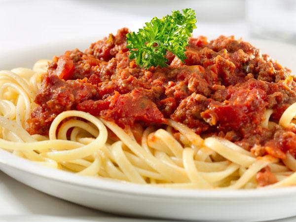 Bosan Dengan Menu Dinner Yang Biasa? Yuk Coba Resep Mudah Bikin Spagetti Ini