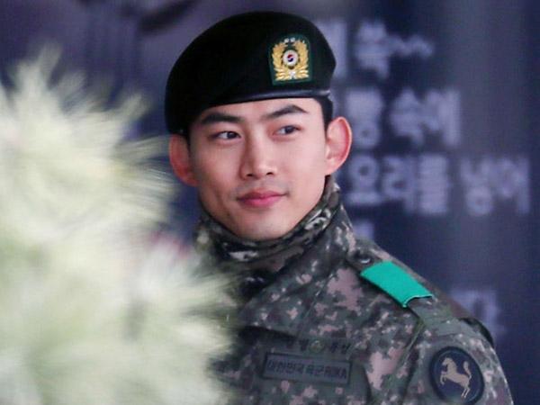 Taecyeon 2PM Kejutkan Fans Lewat Siaran Langsung Saat Asyik Nikmati Libur Wamil
