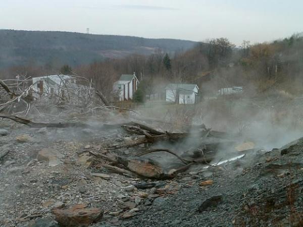 Kondisi Kota Centralia yang Terbakar Api Selama Hampir 60 Tahun