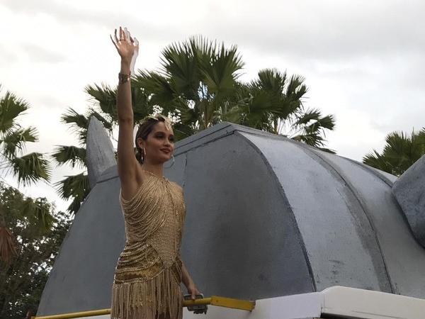 Tampil Menawan di Jember Fashion Carnaval 2019, Ini Arti 'Sakral' Kostum yang Dipakai Cinta Laura!
