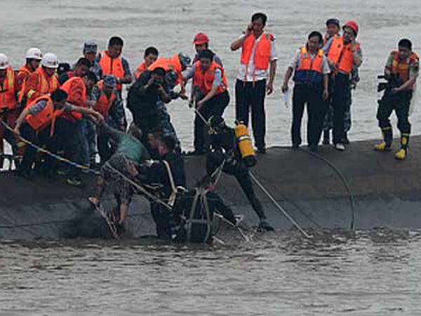 Kapal Karam di Sungai Yangtze, 400 Korban Pensiunan Masih Dicari