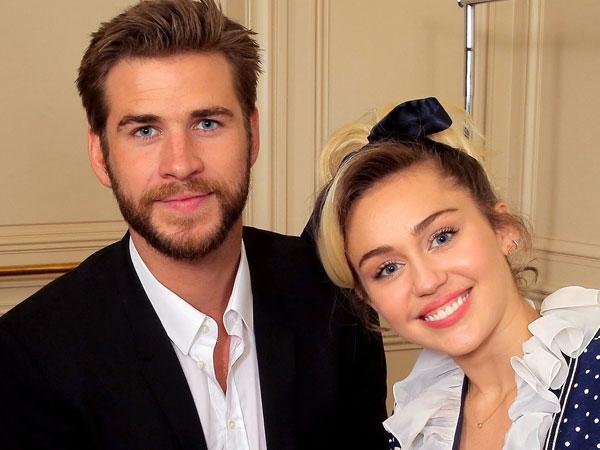 Rayakan Natal Lebih Awal, Liam Hemsworth Terlihat Canggung Saat Bersama Keluarga Miley Cyrus?
