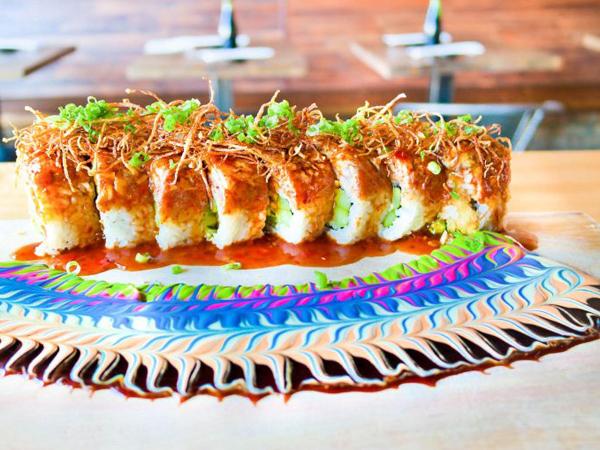 Bukan di Mangkuk, Restoran Ini Punya Cara Menarik Sajikan Saus Pelengkap Sushi
