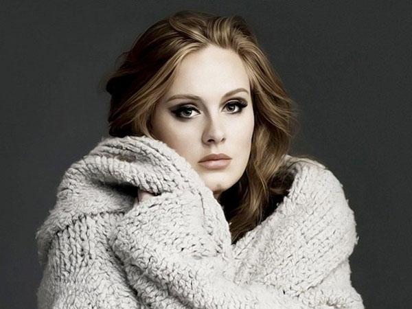 Tak Hanya Fans, Adele Juga Sering Menangis Tiap Dengar Lagunya Sendiri
