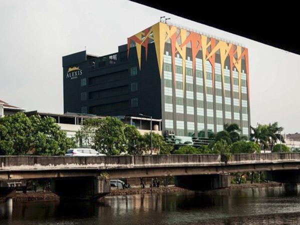 Temuan Mengejutkan Hotel Alexis: Miliki 104 Tenaga Wanita Uzbekistan hingga Thailand, Untuk Apa?