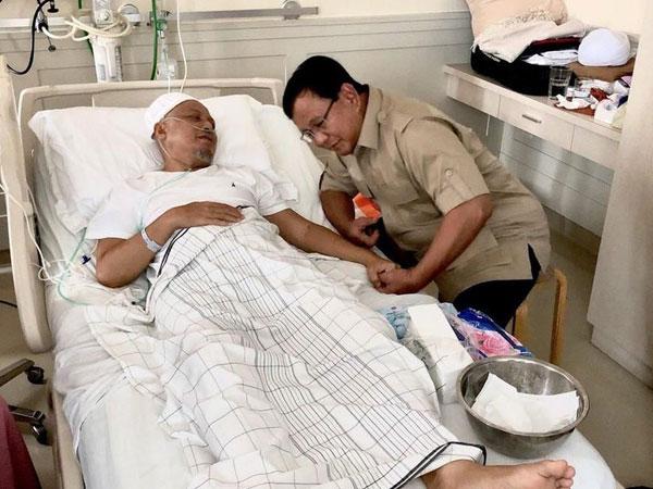 Ustadz Arifin Ilham Berobat ke Malaysia Gunakan Pesawat Pribadi Milik Prabowo Subianto?