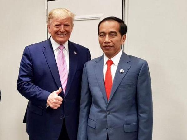 Momen 'Permen' Jokowi Ngobrol Santai dengan Trump dan Putra Mahkota Arab Pasca Putusan MK