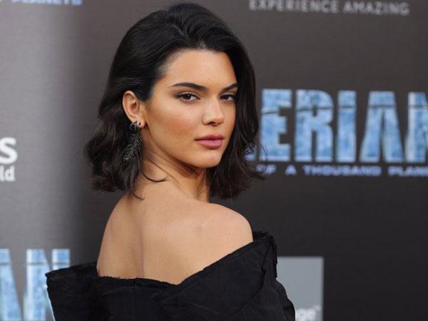Padahal Jadi Model Penghasilan Tertinggi, Ke Mana Absennya Kendall Jenner di Panggung Fashion?
